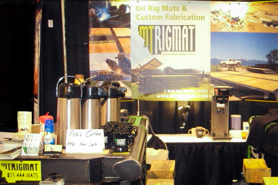 coffee mugs and coffee at MT Rigmat's Regina tradeshow booth